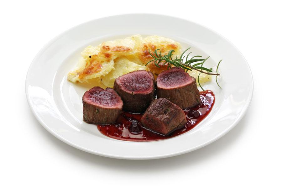 Danielie steaky s omáčkou cumberland
